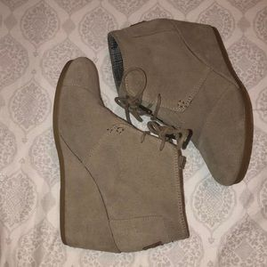 Toms Desert Taupe Suede Wedges
